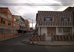 51 f 05 21 sur, Bogotá, Sur, San Eusebio, 8 Habitaciones Habitaciones,2 BathroomsBathrooms,Casas,Arriendo,21 sur ,2142